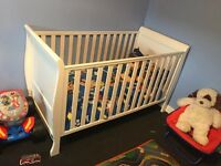 White sleigh cot / cotbed