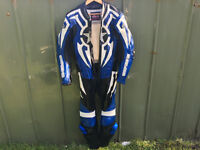 Hein Gericke Motorcycle leathers, 1 piece, Full suit, Blue uk size 32.