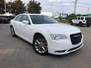 2017 Chrysler 300 TOURING**AWD*PAN ROOF*LEATHER*NAVIGATION