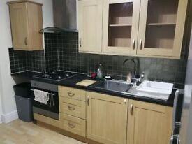 Spacious 1 Bedroom Ground Floor Flat - Earlsfield