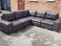 Stunning large brown leather corner sofa. 2 corner 2. 1 month old. clean and tidy. Can deliver