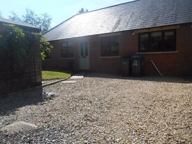 3 BEDROOMED SEMI-DETACHED BUNGALOW IN ROYAL WOOTTON BASSETT FOR RENT