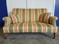 ANTIQUE 2 SEATER / SOFA / SUITE / SETTEE / LOVESEAT / DAY BED ON WOODEN FEETS ON WHEELS CAN DELIVER