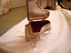 piano jewelley box