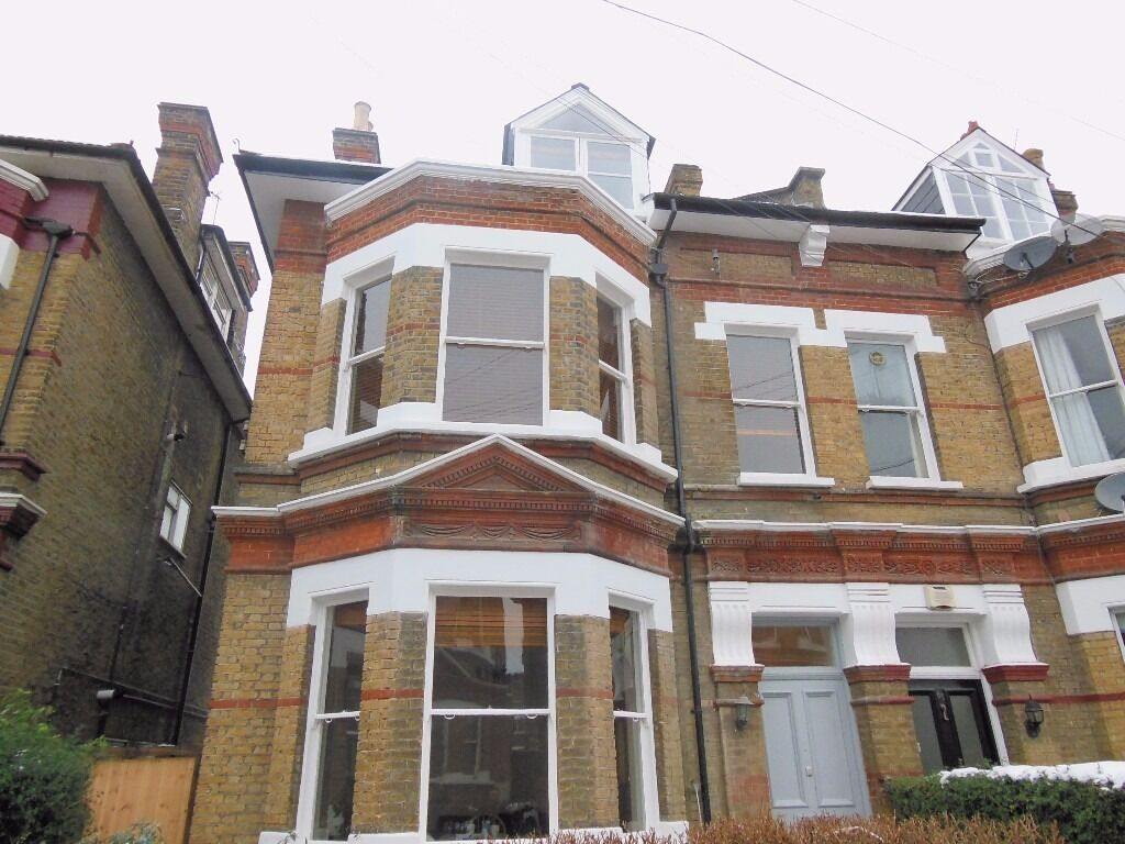 Two good size bedroom flat in the central Wimbledon