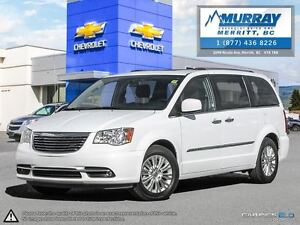 2015 Chrysler Town & Country **Sunroof, Backup Camera, Stow n' G