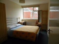 Rooms to let in a shared house short stay and holidays