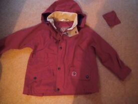 CHILD'S PUFFA JACKET. WATER RESISTANT. CHEST 34 INS.