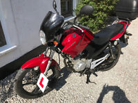 2011 Yamaha YBR 125 only 4973 miles! Excellent Condition, Yamaha Screen & Topbox + 12 months MOT