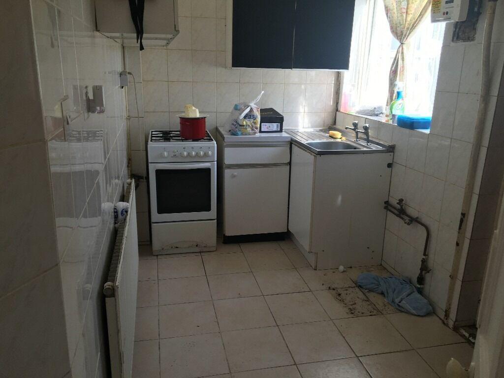Nice 3 Bedroom House In Dagenham RM8
