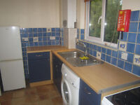PRIVATE LET. WELL PRESENTED ONE BEDROOM FIRST FLOOR FLAT EASTLEAZE WEST SWINDON. AVAILABLE NOW