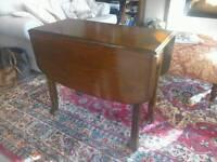 Oak antique drop leaf / gate leg dining table