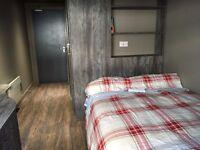 Ensuite double room in Marketgait Apartments