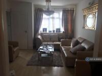 1 bedroom in Misbourne Road, Uxbridge, UB10
