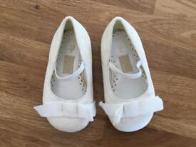 NEW- Debenhams Sparkly Ivory Special occasion Party shoes for infant - size 3