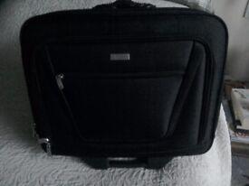Laptop carry case