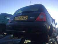 2002 RENAULT CLIO PRIVILEGE 16V (MANUAL PETROL)FOR PARTS ONLY