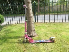 Child's Micro scooter in pink