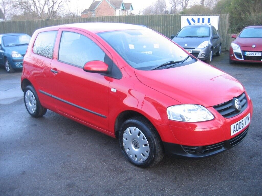 2006 Volkswagen Fox 1.2 3 door hatchback IN BRIGHT RED ..RUDCEDTO CLEAR £1495