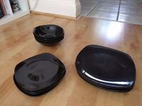 Black plate and bowls set
