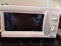 iGenix 700w microwave