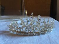 Beautiful Richard Designs pearl and crystal tiara, in excellent condition