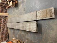 Aluminium telescopic plank