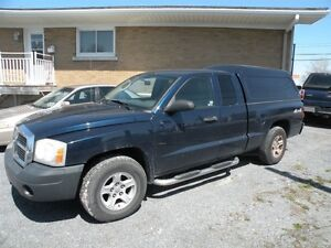 2006 Dodge Dakota SXT 4X4 Magum
