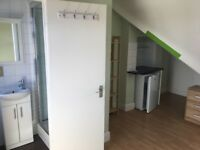 Studuo flat in Popes Lane ( W5 4NT ) £740 PM for 1 person Avalailable now INCLL BILLS