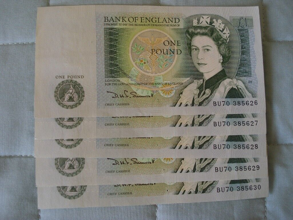 FIVE £1.OO NOTES, MINT, CONSECUTIVE NUMBERS.