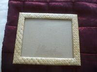Picture/photo frame