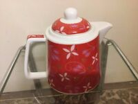 Beautiful red teapot in very good condition only £3