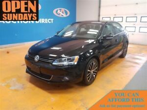 2014 Volkswagen Jetta TDI Highline! LEATHER! ROOF! LOW KM'S!