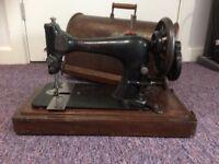 1890 Antique Singer Sewing machine £50 ono.