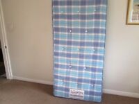 single matress excellent condition