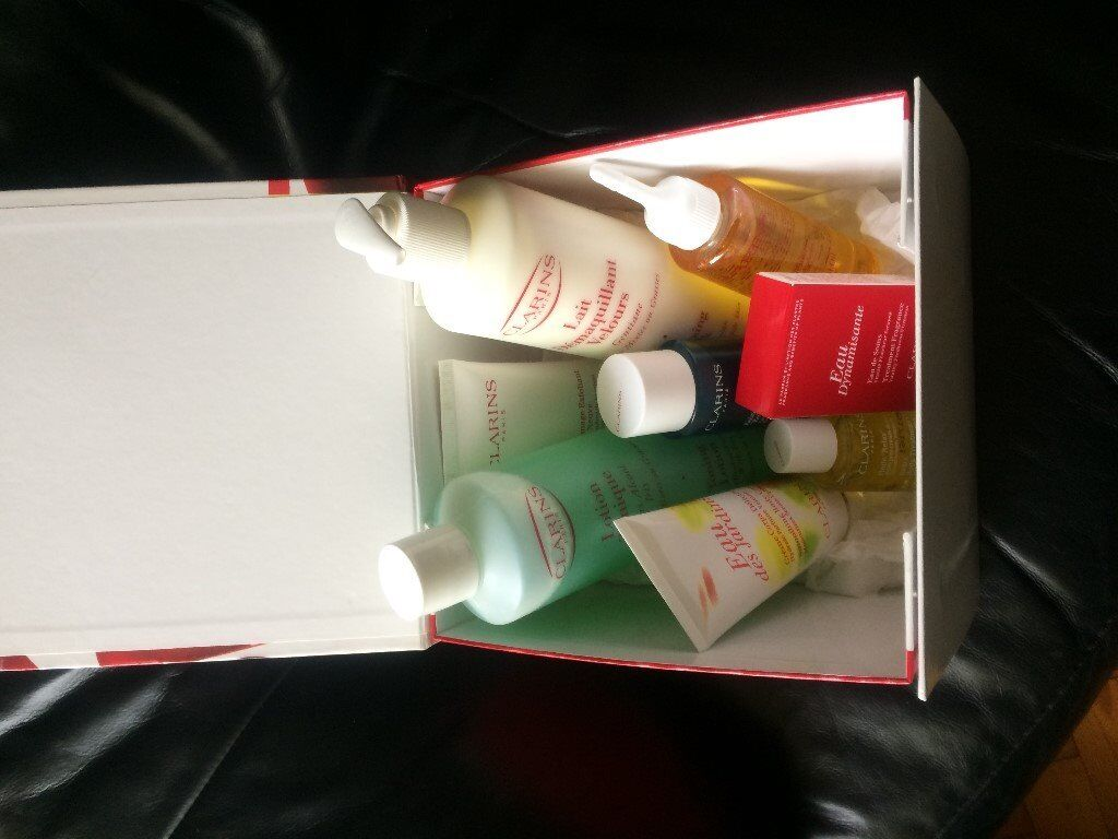 Clarins Cosmetics Gift Box & 8 Products (New Genuine Products)