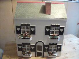 Dolls House / Vintage Dolls House