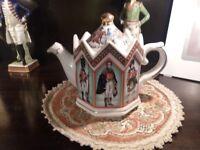 Antique Sadler Duke of Wellington teapot