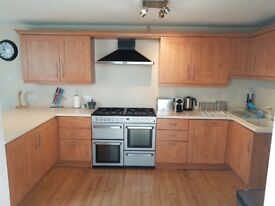 For sale sand kitchen cream worktop integrated fridge , dishwasher and extractor removed ready Togo