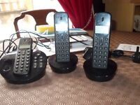 3 telephone set with answer machine