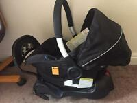 Hauck car seat with isofix base