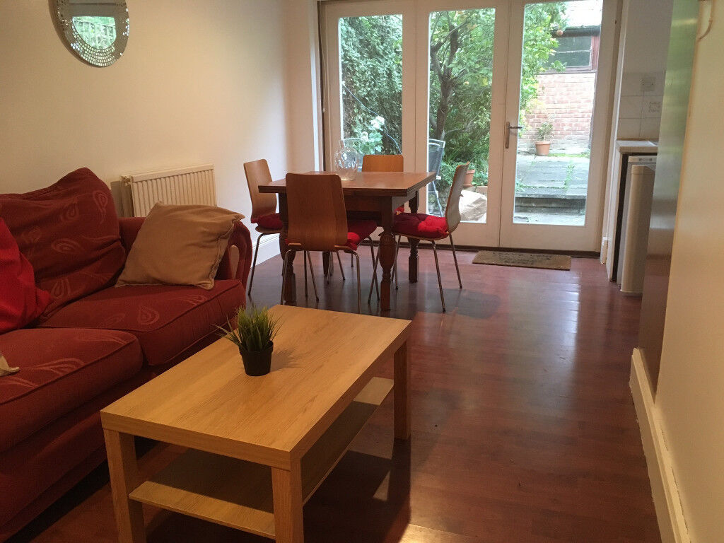 Holloway N7 - Large Two Bedroom Flat with Garden