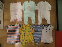 Bundle of girls' baby clothes 0-3 months