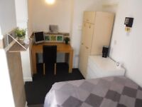 Double Self-contained studio with full kitchen facilities, Darlaston, Walsall Borough. Move in today