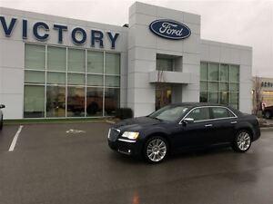 2011 Chrysler 300 300C, Leather, Nav, Pano roof, loaded!