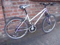 Ladies Lightweight Aluminium Bike with Front Suspension