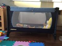 Baby play pen/travel cot