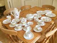 Royal Worcester Palissy 40 piece tea and part dinner service