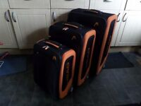 SET OF 3 HEAD SUITCASES