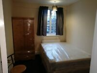 Double room behind Stepney Green station